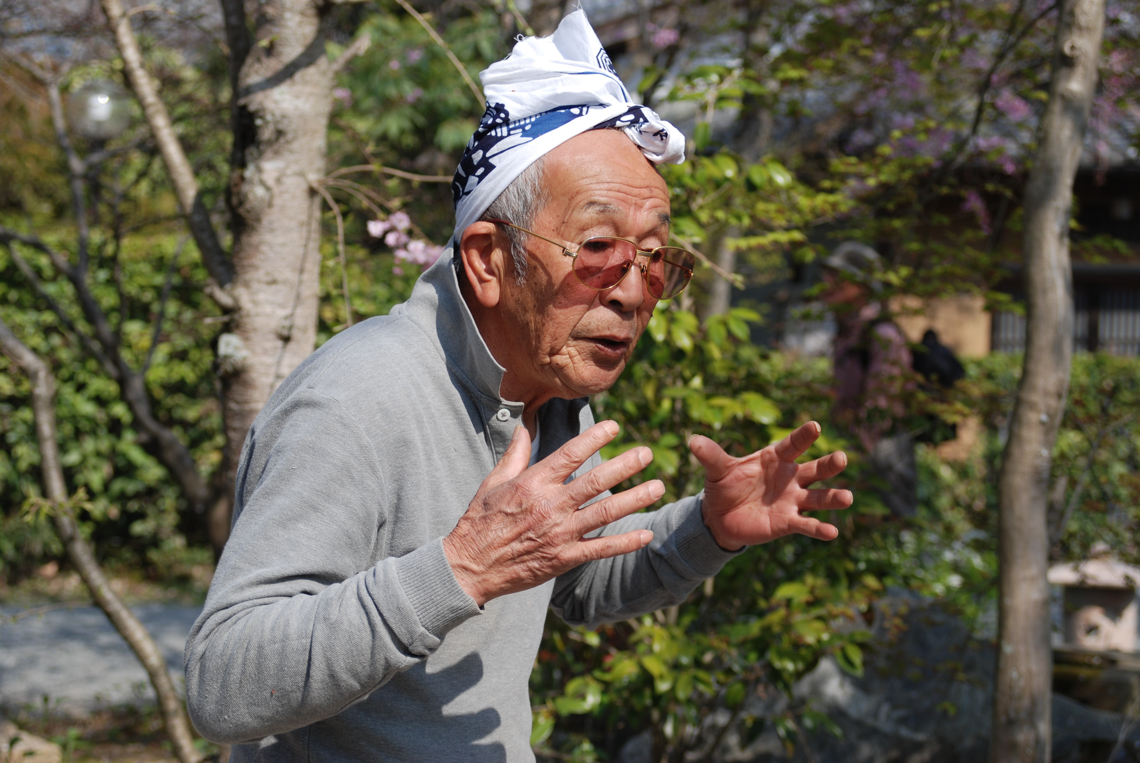 Toemon Sano is the 16th generation of cherry blossom guardain in Kyoto